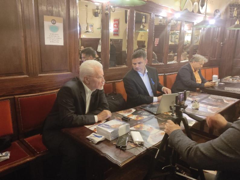 Reagált a debreceni étterem vezetője: ezért zavarta ki Márki-Zay Pétert és Pálinkás Józsefet