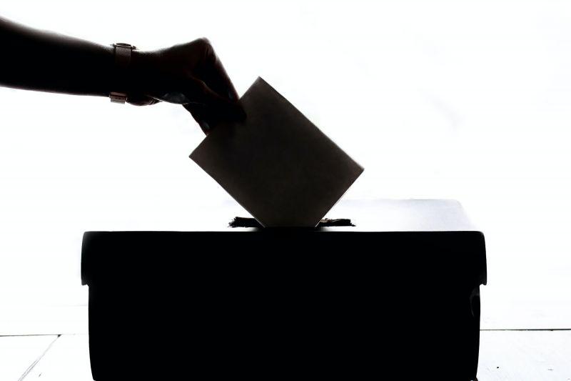 Rekordszámú szavazat pénteken