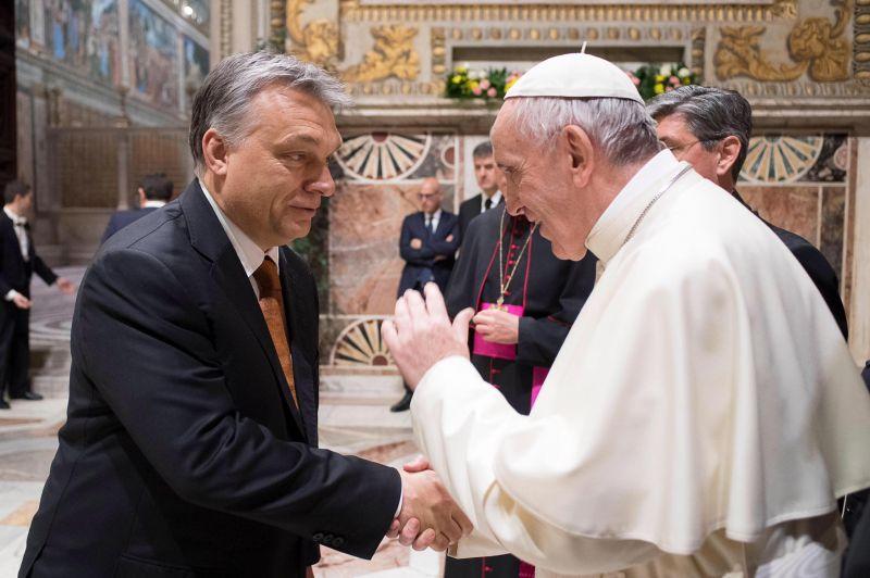 """Elképesztő pofon ez Orbánnak – a pápa Hitlerhez és Sztálinhoz """"hasonlította"""", teljes mértékben ellenzi a politikáját"""