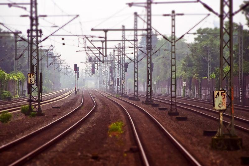 Tragédia: gyereket gázolt el a vonat