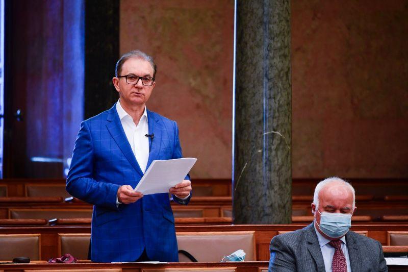 """Tóth Csaba: """"Nincs semmilyen eltitkolt vagyonom, minden vizsgálat elé nyugodt szívvel állok"""""""