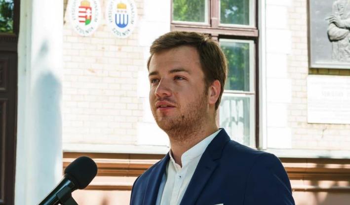 """Tóth Áron keményen beleállt a Fideszbe: """"Stop, vírus!"""" kampányra nincs a kormánynak pénze?!"""
