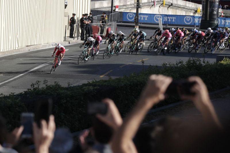 Elítélték a Tour de France-on tömegbalesetet okozó nőt