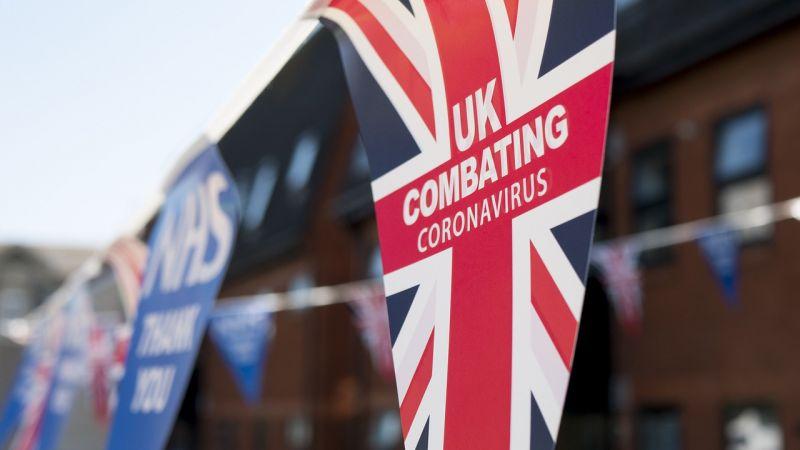 Brit jelentés: a járvány kezdeti szakaszának kezelése kudarcos volt, az oltási kampány viszont példátlan sikerré vált
