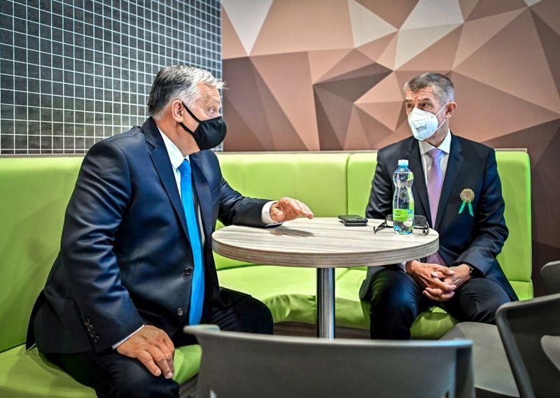 Orbán cseh haverjának alaposan betett, hogy a kommunisták nem jutottak be a parlamentbe