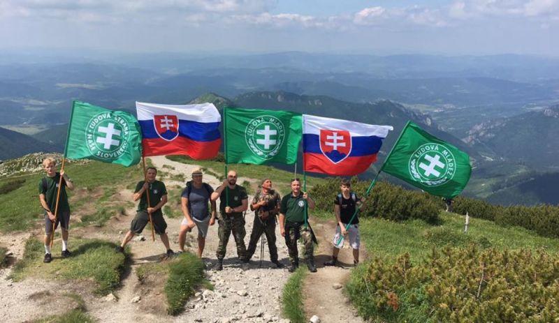Mindenki a szlovák nácikon röhög, akik rossz hegyre másztak