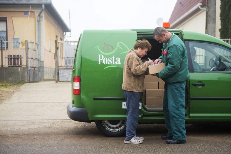 Még tart az ünnepi káosz a Magyar Posta csomagküldő szolgálatánál