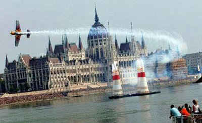 Amerikai nyerte a budapesti Red Bull Air Race-t